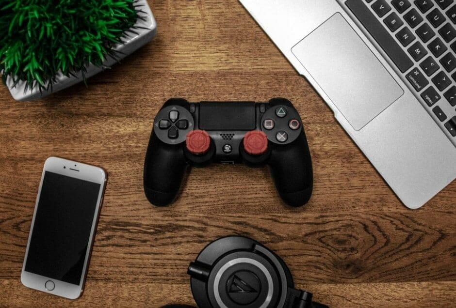 using laptop for gaming